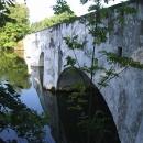 A druhý, kamenný most přes rybník Vítek