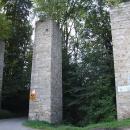 A to už sjíždím k hradu Rožmberk – starý hradní most