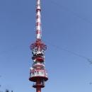 Z dáli viditelný symbol Kleti, televizní vysílač