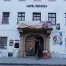 Hotel Pohoda ve Starém Městě - s kolem skoro až do lokálu