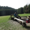 Zajímavé a klidné místo uprostřed lesů.