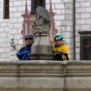 Kašna se sochami na nádvoří Třeboňského zámku