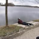 Chlum u Třeboně (rybník Hejtman). Martin v opalovací poloze.