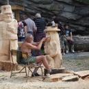 Můžeme tu sledovat vznik samotných soch