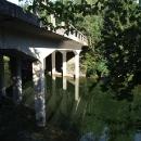 Konečně objevuji zatopené mosty protektorátní dálnice. Toto je ten menší.