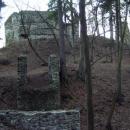 Vstup do hradu Zbořený Kostelec