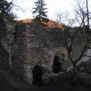 Hradní palác na Zbořeném Kostelci