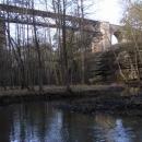 Železniční most přes Peklo