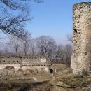 V zapomenuté Kalvárii v bývalém zámeckém parku v Milešově
