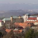 A to už je Porta Bohemica, tudy si Labe prodralo cestu z české kotliny