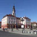 Radnice na náměstí v Grodkově