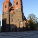 Polské kostely mívají jednu nevýhodu - těžko se vejdou do objektivu. Pavel má však dobrý foťák ...