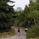 Asfaltkou k Masarykově chatě na Šerlichu