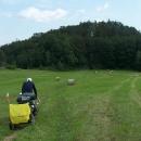 A to už míříme přes lesy a louky k hradu Kaltenštejn
