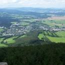 Výhled z rozhledny na Biskupské kupě na Zlaté hory