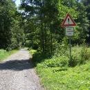 Důkaz, že tato silnice mezi Slezskými Rudolticemi a Městem Albrechtice je opravdu silnice :-)