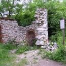 Zřícenina kaple nad Pernou