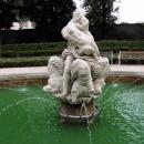 Kašně v zámeckém parku v Mikulově chybí hlavy