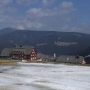 Pohled na Pec a Sněžku z hřebene