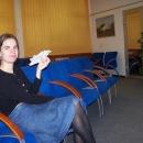 Markéta si užívá v čekárně ČD Lounge, kam se s místenkou na vlak SC smí :-)