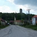 Jde o Topolčianský hrad, i když jsou Topolčany dost daleko odtud