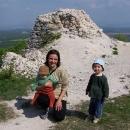 Markéta s dětmi na Topolčianském hradě