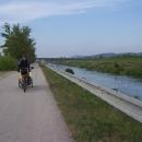 Pohodička po cyklostezce podél vody