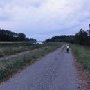 Cyklostezka podél Moravy tady na jihu připomíná stezku podél Odry