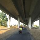 ... někde i pod dálnicí :-)