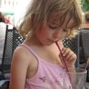 Limonáda v parném dni v Šárce jen zasyčela - a to je jindy musíme do pití nutit!