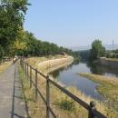 Chceme vidět soutok s Labem, a tak se řeky držíme, co to jde.