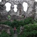 Uvnitř hradu Seredně