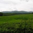 Míjíme jarně zelené vrcholky Vihorlatu