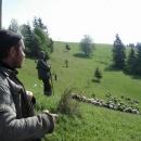 Kolem stanu se nám přehnalo stádo ovcí a tak jsme dali i řeč s bači