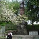 Svačina v Koločavě u památníku