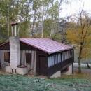 Tak tohle je ta chajda na břehu Vranovské přehrady.