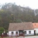 Hrad Frejštejn nad vesnicí Podhradí nad Dyjí