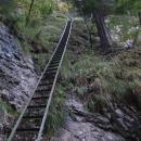 Nekonečný žebřík ve stěně Sokolí doliny