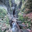 Sestup k Obrovskému vodopádu
