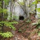 Tajemný otvor ve skále, ale jeskyně to nebyla