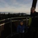 Z Anenského vrchu nic neuvidíte a tak, když jsem si chtěla užít výhledy nad inverzí, musela jsem chtě-nechtě, i přes závratě, na rozhlednu vylézt.