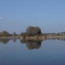 Poklidná idylka u rybníka