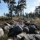 Na cestě obcházíme kameny velké jako děti