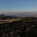 Výhled od chaty - nalevo Broumovky, uprostřed Javoří hory, a napravo polské Soví hory