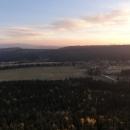 Výhled z jedné ze dvou skalních teras na Karlow, kde bydlíme, vlevo začíná hřeben Orlických hor
