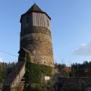 Hrad Pirkštejn v Ratajích, dnes je z něj fara