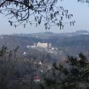 Lesem jsme se prodrali na dohled Českému Šternberku