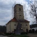 V Kácově sundali z kostela střechu