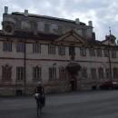 Na nádvoří Kácovského zámku