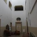 Nečekaně máme možnost nahlédnout dovnitř zámku, dnes jsou tu i byty